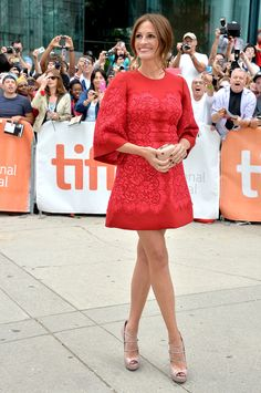 Legs for days! Julia Roberts arrives at the TIFF 2013 premiere for August: Osage County. (Getty Images)