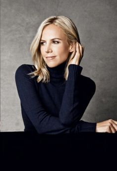 """Tory Burch has good reason to party after a billion-dollar brainwave"" Business Portrait, Corporate Portrait, Corporate Headshots, Business Headshots, Headshot Poses, Portrait Poses, Female Portrait, Portrait Lighting, Senior Portraits"
