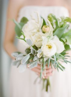 bianco-garden-rose-succulente-tropicale-wedding-bouquet.jpg