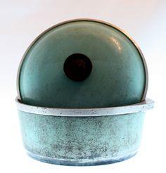 Teal / Turquoise Vintage Dutch Oven Pan/Pot! I love vintage cookware :)