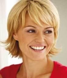 Hair Styles For Middle Aged Women Biography The ideal hairstyles for middle-aged women have little to do with age, and more to do with the ...