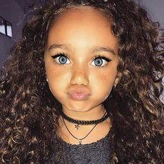 Cute little black girl hairstyles - Süß - Frisyrer Cute Mixed Babies, Cute Black Babies, Beautiful Black Babies, Cute Little Baby, Pretty Baby, Cute Baby Girl, Beautiful Children, Cute Girls, Cute Babies