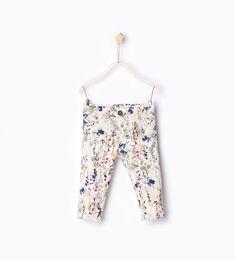 Image 1 de Pantalon imprimé fleurs de Zara