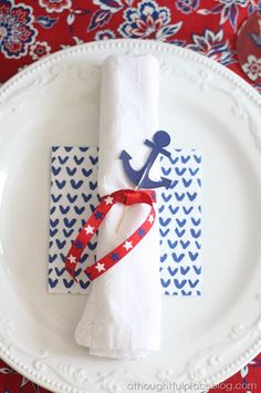 Fourth of July Table | Pattern Mixing via A Thoughtful Place