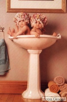 Anne Geddes~ Love her work - this is currently in my bathroom
