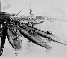 OTD 1919: Britain gift submarines to RAN, J1, J2, J3, J4, J5, J6, J7, were commissioned. Here: J1, J5, J4 with HMAS SYDNEY Submarines, Battleship, Sailing Ships, Britain, Nautical, Boat, Sydney, German, Navy Marine