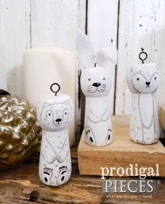 Upcycled Christmas Tree from Curbside Table - Prodigal Pieces Rustic Christmas, Christmas Tree, Spindle Crafts, Handmade Ornaments, Handmade Crafts, Woodland Animals, Furniture Makeover, Diy Tutorial, Arctic