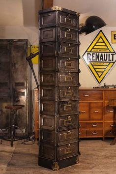 Meuble industriel vintage de renaud jaylac on pinterest atelier deco and loft - Restauration meuble industriel ...