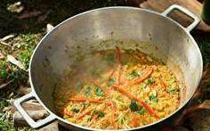 Rodrigo prepara uma deliciosa receita espanhola e ainda inova usando somente legumes na receita.