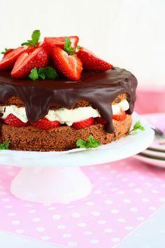 Suklaapossu: Ihana mansikka-suklaakakku (gluteeniton)