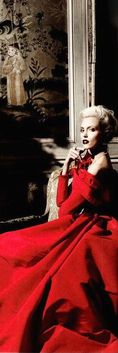 High Society - Harper's Bazaar❣️Lady in Paris Appartment, Valentino, Red Gowns, Red Fashion, Shades Of Red, Lady In Red, Cool Outfits, Fashion Photography, Bali