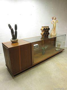 Mid century vintage design toonbank industrieel Deens loft, vintage display counter cabinet Industrial Danish loft retro