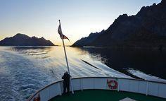 Sør i Raftsundet, like før vi ankommer Trollfjorden. foto:tgj