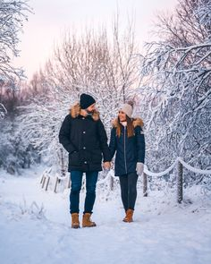 Who doesn't love long winter walks? Winter Walk, Long Winter, Simply Life, Whale Tail, Pink Sky, Travel Couple, Couple Goals, Walks, Annie