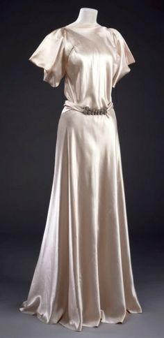 Vionnet Dress - 1932-34 - by Madeleine Vionnet - @~ Watsonette