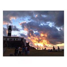 #lighthouse #barra #sunsetcolors #friends #goodvibes #happyday #salvadordabahia #brazil