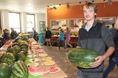 Na výstavě melounů ve vestibulu Zahradnické fakulty Mendelovy univerzity v…