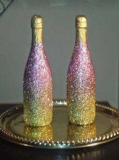 These fabulous mini champagne bottles will surely Glitter Champagne Bottles, Gold Bottles, Bottles And Jars, Antique Bottles, Vintage Bottles, Vintage Perfume, Antique Glass, Perfume Bottles, Alcohol Bottle Decorations