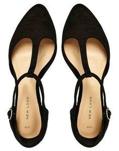 babe5e02d0a Acquista New Look - Jupiter - Scarpe piatte nere con cinturino a T su ASOS.  Scopri la moda online.
