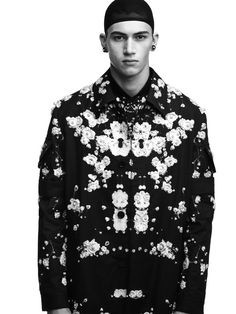 The-Two-Faces-of-Givenchy_fy5