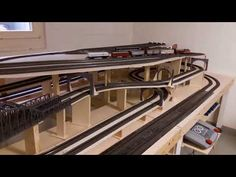 Train Ho, Model Railway Track Plans, Model Train Layouts, Model Trains, Railroad Tracks, Planer, Diy Furniture, Miniatures, Mindfulness