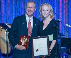 The @eucenter congratulates IL Gov. @BruceRauner for being awarded @PLinChicago's Amicus Poloniae Award http://t.co/O8tGw5ePKm @PaulinaMSZ