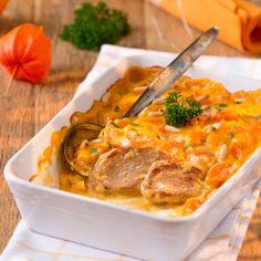 Jetzt ist Möhrenzeit! Wir empfehlen Schweinemedaillons mit Möhren, überbacken mit einer kräftigen Käsesoße – dazu passen Kartoffelpüree oder Salzkartoffeln.
