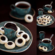 Homemade almond cookies and chocolate (author - La Perla) No Bake Desserts, Delicious Desserts, Dessert Recipes, Chocolate Treats, Chocolate Recipes, Chocolate Lovers, One Smart Cookie, Almond Cookies, Brownie Bar