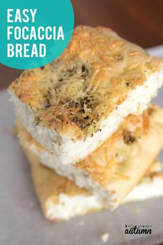 This is the easiest focaccia recipe ever! Start with frozen bread dough for amazing focaccia bread in no time. Gourmet Recipes, Bread Recipes, Baking Recipes, Dessert Recipes, Yummy Recipes, Easy Focaccia Recipe, Quick Bread Rolls, Rhodes Bread, Frozen Bread Dough