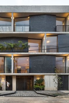 Galeria de Edifício Portais / Fernanda Canales - 11