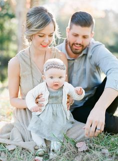 Perfectly soft color palette for family photos outdoors. Natural light family photos by J. Spring Family Pictures, Family Photos With Baby, Outdoor Family Photos, Family Of 3, Cute Family, Family Pics, Baby Girl Pictures, Family Photo Outfits, Family Photo Sessions