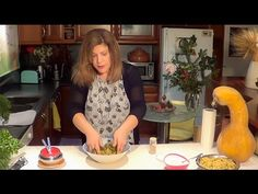Παραδοσιακοί κολοκυθοκεφτέδες με κίτρινη κολοκύθα και μυρωδικά - YouTube Greek Recipes, New Recipes, Vegan Recipes, Pumpkin, Youtube, Food, Fashion, Greek, Kitchens