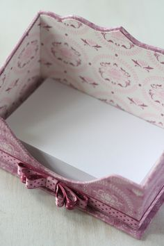 Cartonnage box - note paper holder