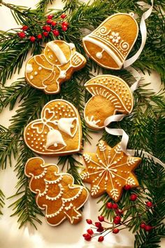 christmas tree  decoration New Years Cookies, Xmas Cookies, Christmas Cupcakes, Christmas Sweets, Christmas Cooking, Christmas Candy, Honey Cookies, Biscotti Cookies, Christmas Gingerbread House