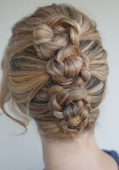 fonott frizurák - fonott konty