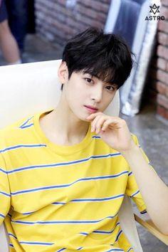 100 Most Handsome/Beautiful KPOP Idols(my opinion) Astro Eunwoo, Cha Eunwoo Astro, Korean Celebrities, Korean Actors, Asian Actors, Kim Myungjun, Jin, Lee Dong Min, Yearbook Photos