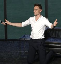 Tom kneeling after a fan told him to at the Nerd HQ panel. Seriously couldn't believe it.