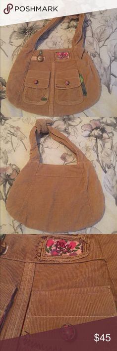 Super cute mini Roxy day bag Super cute Roxy purse, perfect for everyday. Slightly used, in great condition. Smoke and Pet free home. Roxy Bags Totes