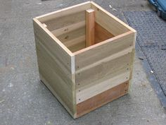 """This is a very simple planter box. It consists of two """"U"""" shaped framing units and horizontal planks to tie the whole structure togethe. Planter Box Designs, Square Planter Boxes, Outdoor Planter Boxes, Garden Planter Boxes, Wooden Planters, Privacy Planter, Vegetable Planters, Building A Raised Garden, Scrap Wood Projects"""