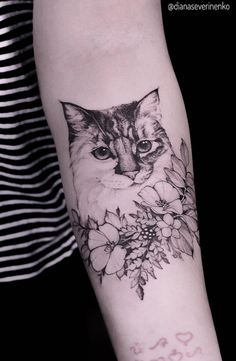 We rounded up some of the most beautiful cat tattoos created by seriously skilled tattoo artists to express the profound love people have for their felines. Cute Cat Tattoo, I Tattoo, Cat Silhouette Tattoos, Cat Flowers, Flower Tattoos, Sleeve Tattoos, Tattoo Artists, Piercings, Most Beautiful