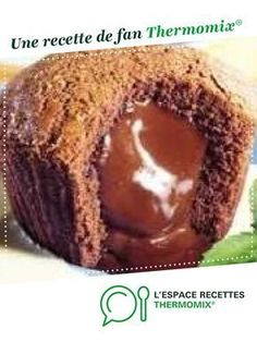 Chocolate cake with melting heart by A fan recipe to find in the Sweet pastries category on www.espace-recett …, of Thermomix®. Milk Dessert, Dessert Party, Summer Dessert Recipes, Easy Desserts, Cheesecake Recipes, Cupcake Recipes, Dessert Thermomix, Sweet Pastries, Cake