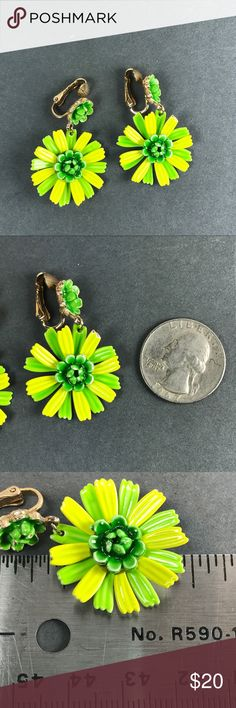 Vintage yellow Green Mod Flower Boho clip earrings Super groovy flower earrings Bright yellow and grass green color Clip earrings could be converted to pierced wires From a pet and smoke free location   Box2 Vintage Jewelry Earrings