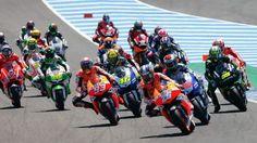 MotoGP visita el mítico Le Mans  elperiodicodecanarias.es  MotoGP, Moto2 y Moto3 llegan a un escenario donde hemos visto grandes batallas, imágenes épicas y divertidas carreras. El circuito usado por los chicos del Mundial es la versión Bugatti, una versión reducida de una pista con...