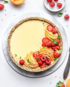 No-Bake Peach Tart Vegan, Gluten-Free and Refined Sugar-Free Nm_Meiyee Summer Desserts, Just Desserts, Delicious Desserts, Tart Recipes, Dessert Recipes, Baking Recipes, Syrup Recipes, Vegan Tarts, Vegan Pie