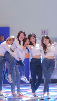 tzuyu twice wallpapers / tzuyu twice . tzuyu twice aesthetic . tzuyu twice wallpapers . tzuyu twice beautiful . tzuyu twice photoshoot . tzuyu twice so cute . tzuyu twice selca . tzuyu twice feel special K Pop, Kpop Girl Groups, Korean Girl Groups, Kpop Girls, Twice Dahyun, Tzuyu Twice, Nayeon, Sana Cute, Twice Group