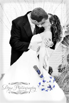 wedding- love the pose and black and white, just not the selective coloring