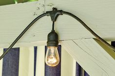Hang string lights on outside railing of deck Porch String Lights, Hanging Patio Lights, Vintage String Lights, How To Hang Patio Lights, Outdoor Deck Lighting, Pergola Lighting, String Lighting, Lights On Pergola, Deck With Pergola