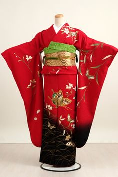 """The Kimono is a traditional Japanese garment used by women, men and children. The word """"kimono"""" - which in its literal sense, translated directly from Japanese, means """"thing to wear"""" (ki = """"use"""" and mono = """"thing"""") - is used to denote the names of those long robes."""