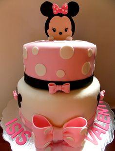 Minnie tsum tsum cake