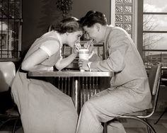 Shared by Vintage. Find images and videos about love, boy and vintage on We Heart It - the app to get lost in what you love. Vintage Diner, Vintage Love, 1950s Diner, Vintage Kiss, Retro Diner, Romance Vintage, Pin Up, The Last Summer, Photo Couple